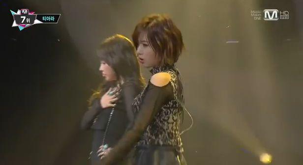 13年10月31日放送MカウントダウンT-ARA『NUMBER NINE』ライブ動画