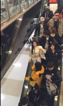T-ARA』4年11月10日『金浦空港』関連動画